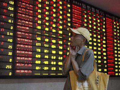 Cina, crolla ancora la borsa. Travolti tutti i mercati